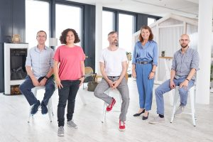 vlnr: Axel Steinkuhle (evrbit), Moderatorin Viola Tensil, Boris KAntzow (Weltenmacher), Sandra Winterberg (Mediennetzwerk.NRW) und Jens Epe (World of VR)