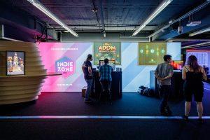 IndieZone NRW @ XPERION - Ultimate ADOM (Team ADOM) und Q - A Neon Platformer (Manatea Entertainment)