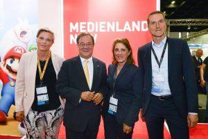 gamescom 2018: Ministerpräsident Armin Laschet am NRW-Messestand.