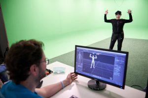 Skilltree.NRW - Coaching für die Games Branche. Workshopleiter Martin Linnartz (School of Games) nimmt Motion Capturing auf.